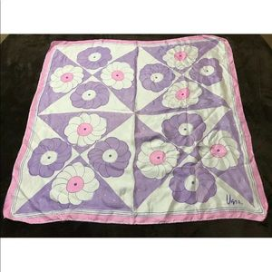 Vera Neumann Vintage big flower scarf purple pink